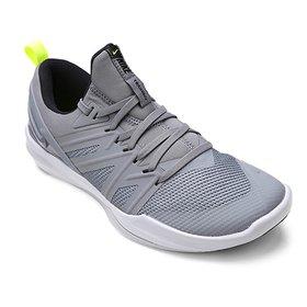 c227bd7e6b57d Tênis Nike Free TR V8 Masculino - Preto e Branco - Compre Agora ...
