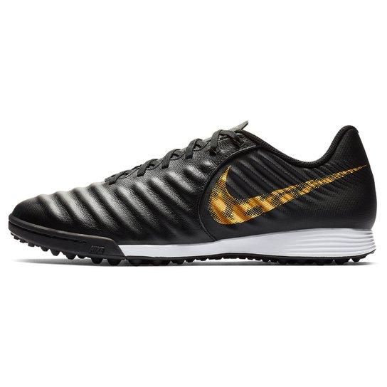 39b1af80fa873 Chuteira Society Nike Tiempo Legend 7 Academy TF - Preto e Dourado ...