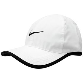 Boné Nike Aba Curva Featherlight - Preto - Compre Agora  aac27fdf1b2