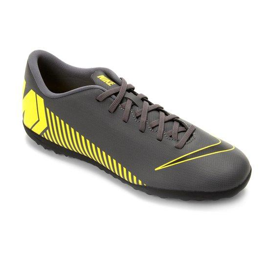 0209c73537fc2 Chuteira Society Nike Vapor 12 Club TF - Chumbo e Amarelo | Loja do ...