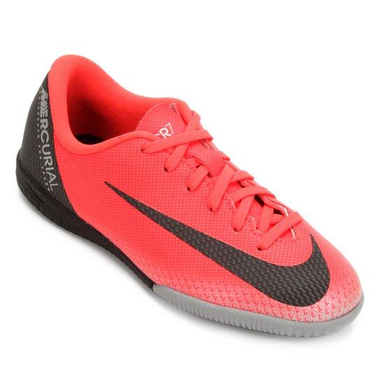 5aca8ee3f45e7 Chuteira Futsal Infantil Nike Mercurial Vapor 12 Academy GS CR7 IC -  Vermelho+Cinza
