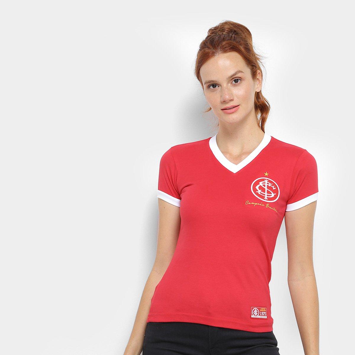 efc7f8852b2 Camiseta Internacional Retrô Mania 1975 Feminina - Compre Agora ...