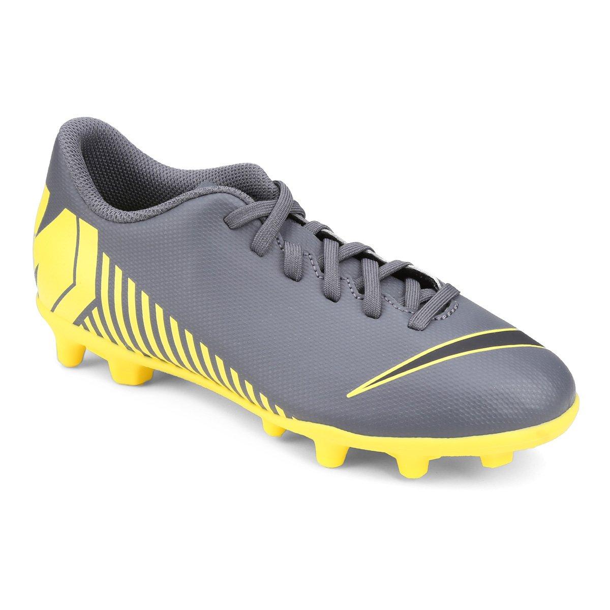 18c3c2b73723a Chuteira Campo Infantil Nike Mercurial Vapor 12 Club GS FG - Cinza e  Amarelo | Loja do Inter