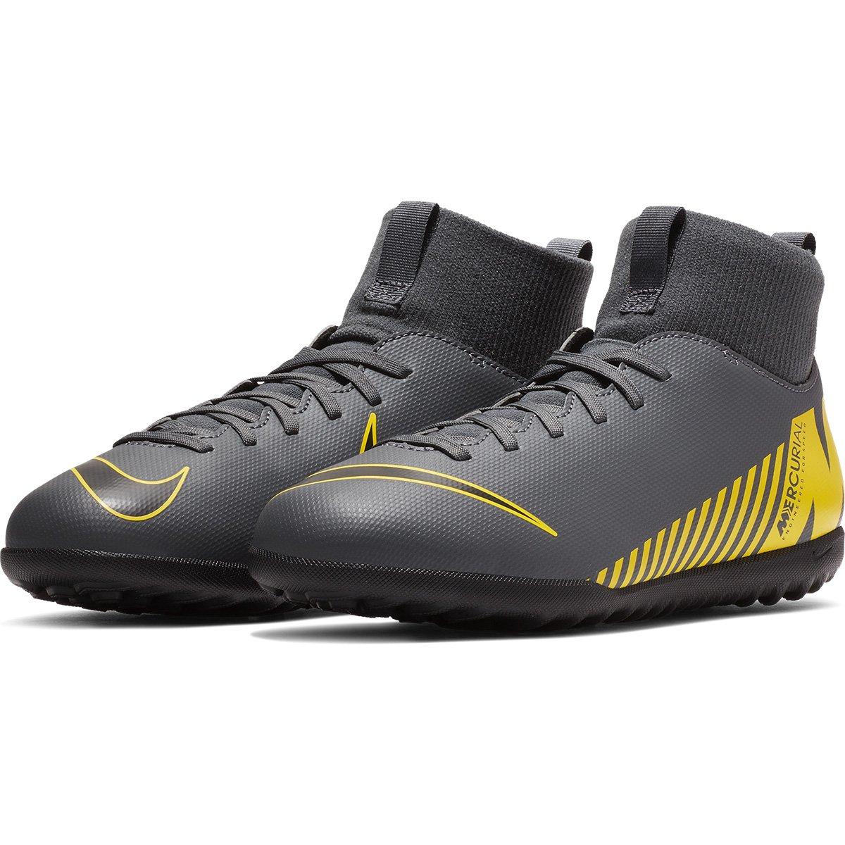 Chuteira Society Infantil Nike Superfly 6 Club TF - Cinza e Amarelo ... 718a961539762