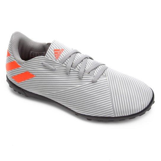 Chuteira Society Juvenil Adidas Nemeziz 19 4 TF - Cinza