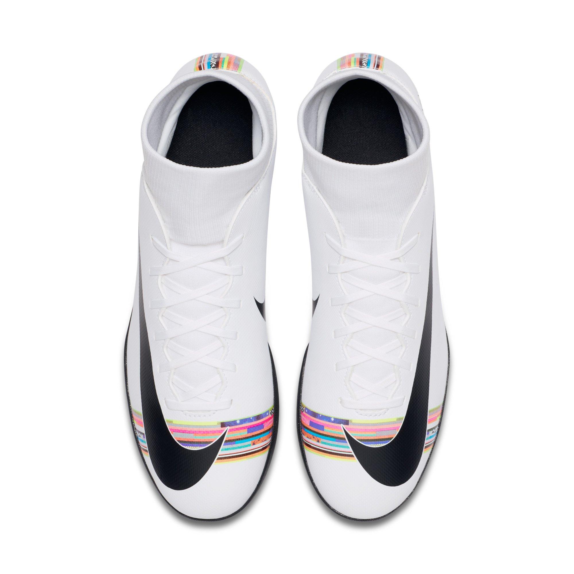 Chuteira Society Nike Mercurial Superfly 6 Club CR7 TF Branco e Preto