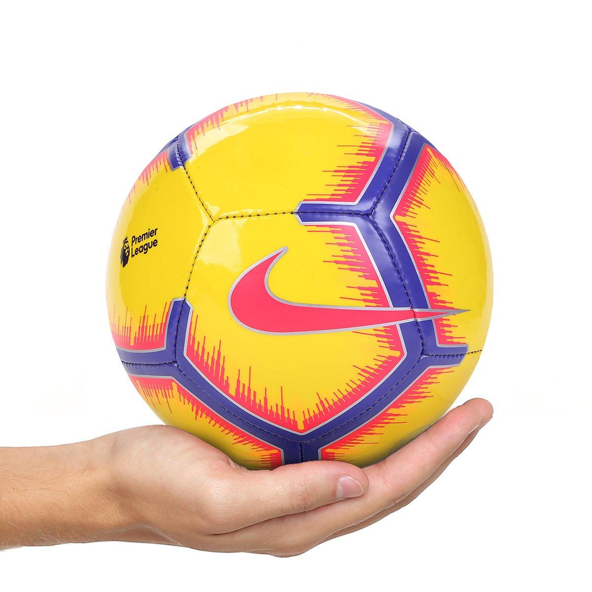 Mini Bola de Futebol Premier League 2018 Nike - Amarelo - Compre ... 295b36797f0f1